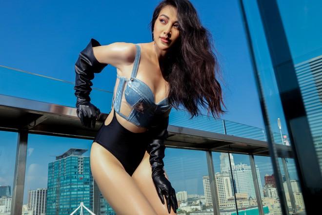 Hoa hậu Phương Khánh tung loạt ảnh mặc bikini nóng bỏng - Ảnh 4.