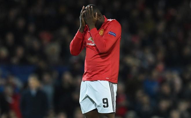 Man United không thể lật đổ Barca nếu cứ đánh cược vào một người không xứng đáng