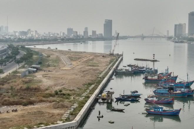 Phó chủ tịch Đà Nẵng chưa biết có bao nhiêu dự án lấn sông Hàn - Ảnh 2.