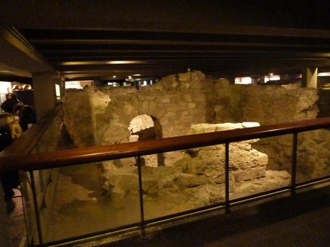 Kiến trúc khổng lồ gần 2.000 năm tuổi tồn tại ngay dưới chân nhà thờ Đức Bà Paris - Ảnh 10.