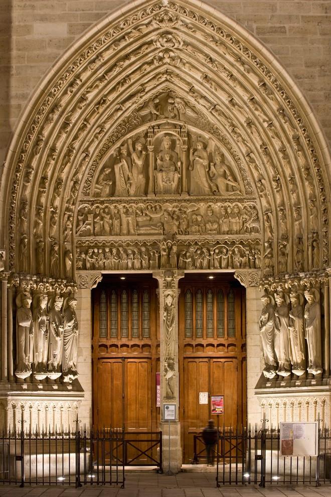 Chuyện chưa kể về nhà thờ Đức Bà Paris: Có những ngọn tháp mãi mãi không thành hình - Ảnh 3.
