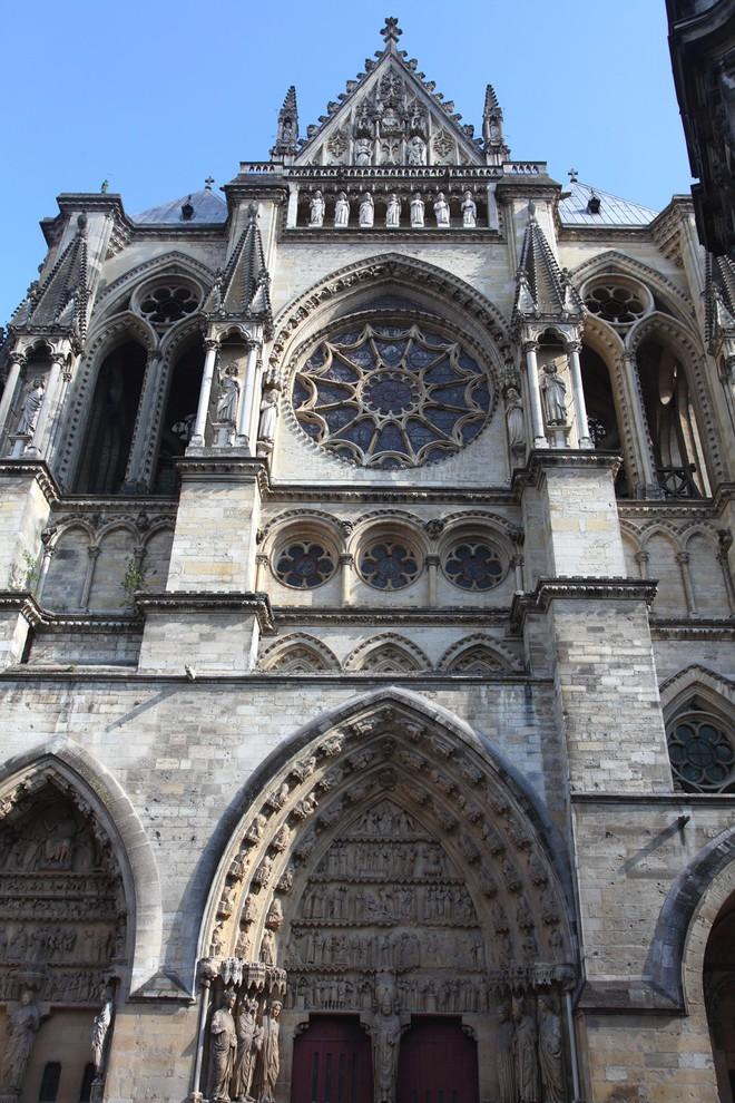 Chuyện chưa kể về nhà thờ Đức Bà Paris: Có những ngọn tháp mãi mãi không thành hình - Ảnh 4.