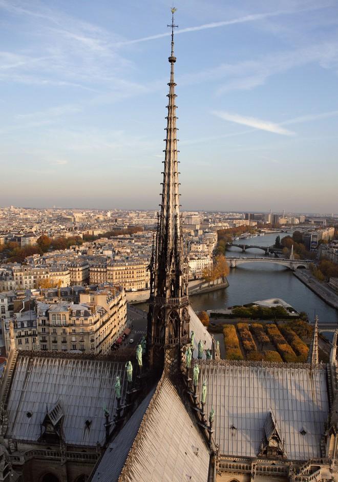 Chuyện chưa kể về nhà thờ Đức Bà Paris: Có những ngọn tháp mãi mãi không thành hình - Ảnh 5.