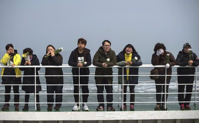 5 năm sau thảm kịch chìm phà Sewol, Hàn Quốc: 9 người vẫn mất tích, nỗi đau chưa nguôi