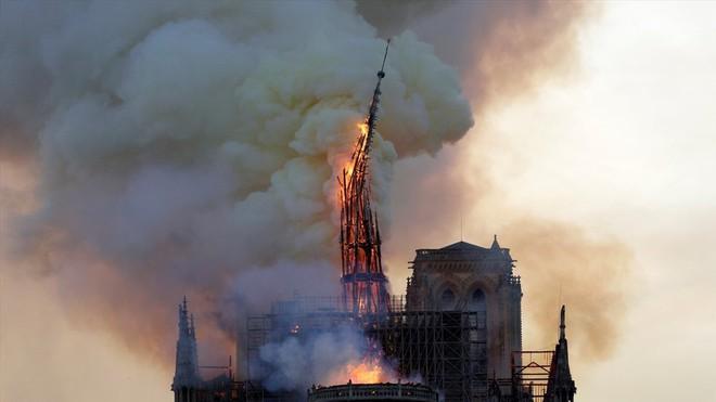 """Nhà thờ Đức Bà Paris cháy như lời tiên tri"""" trong tác phẩm của Hugo - Ảnh 4."""