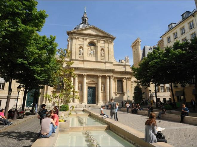 Chuyện chưa kể về nhà thờ Đức Bà Paris: Có những ngọn tháp mãi mãi không thành hình - Ảnh 2.