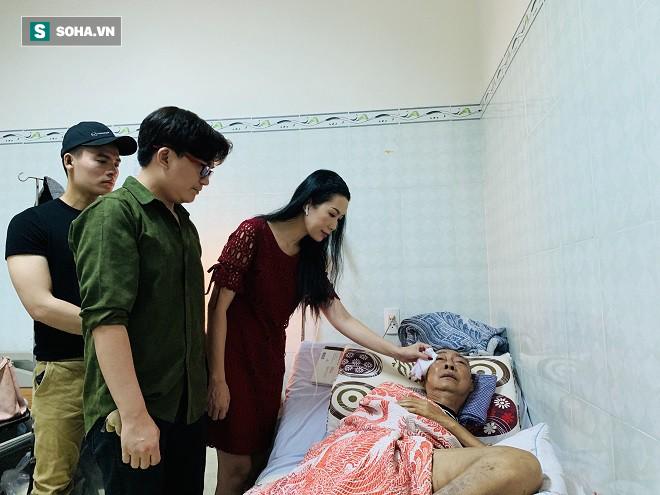 Nghệ sĩ Lê Bình vẫn tỉnh táo nói chuyện, không hôn mê sâu như tin đồn - Ảnh 1.