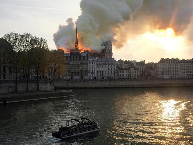 Với công nghệ này, Nhà thờ Đức Bà Paris vừa bị cháy có thể trở về nguyên trạng - Ảnh 1.