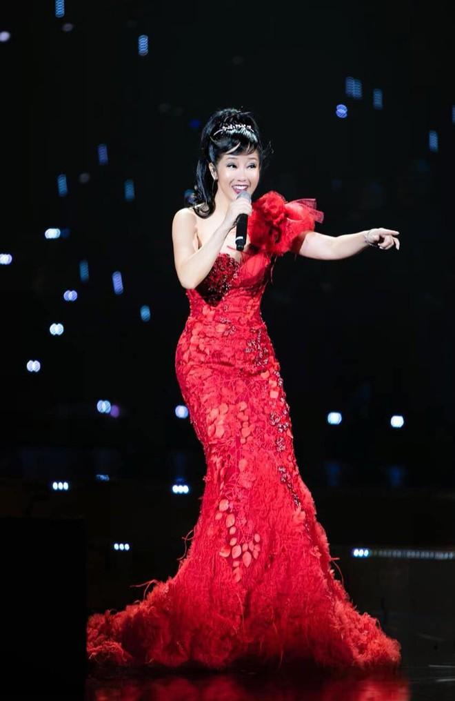 Cuộc sống sau ly hôn của ca sĩ Hồng Nhung: Lạc quan, tự tìm niềm vui cho mình nhưng đáng ngưỡng mộ nhất là điều này - Ảnh 4.