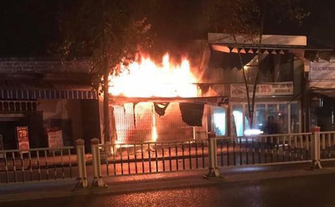 """Nhân chứng vụ cháy cả gia đình thiệt mạng: """"Chúng tôi không nghe được tiếng kêu cứu"""""""