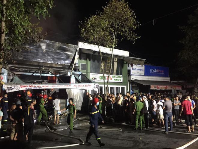 Nhân chứng vụ cháy cả gia đình thiệt mạng: Chúng tôi không nghe được tiếng kêu cứu - Ảnh 1.