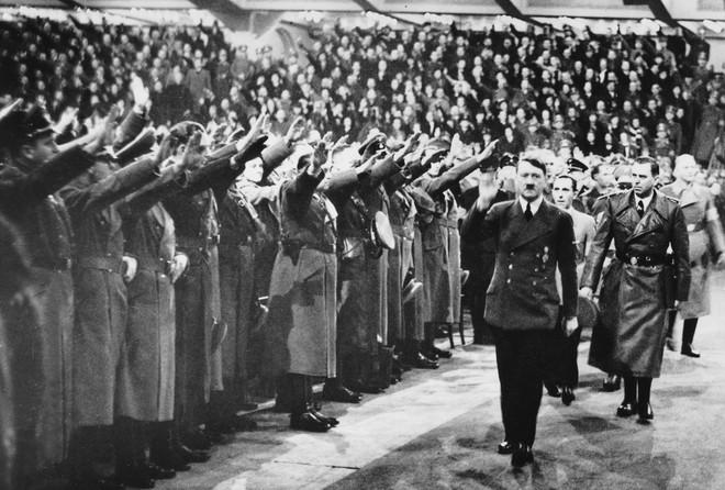 Thâm nhập chân rết Đức Quốc xã, phát hiện địa ngục căm hận của người Do Thái - Ảnh 4.