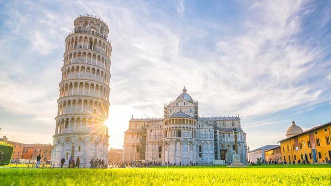 Bí mật của tháp nghiêng Pisa: Kỳ quan độc nhất vô nhị trong lịch sử nghệ thuật kiến trúc - Ảnh 1.