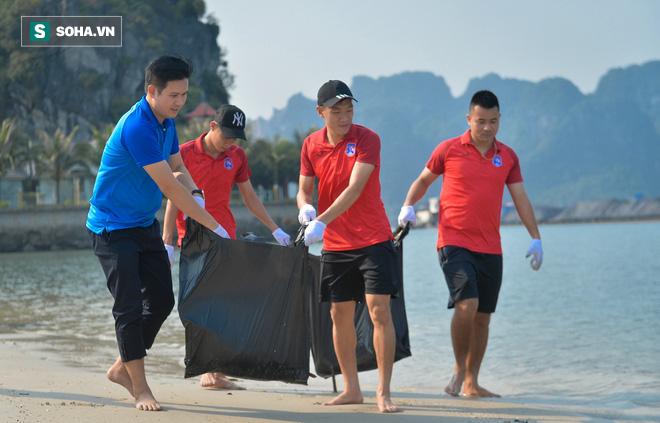 Sau những tranh cãi về V.League, ông bầu và dàn sao Quảng Ninh có hành động đầy ý nghĩa - Ảnh 4.