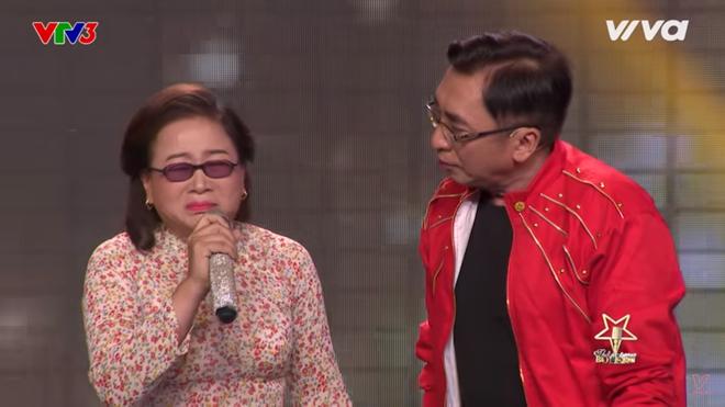 Quang Lê bật khóc khi nghe ca sĩ khiếm thị hát Bolero hay như Giao Linh - Ảnh 5.