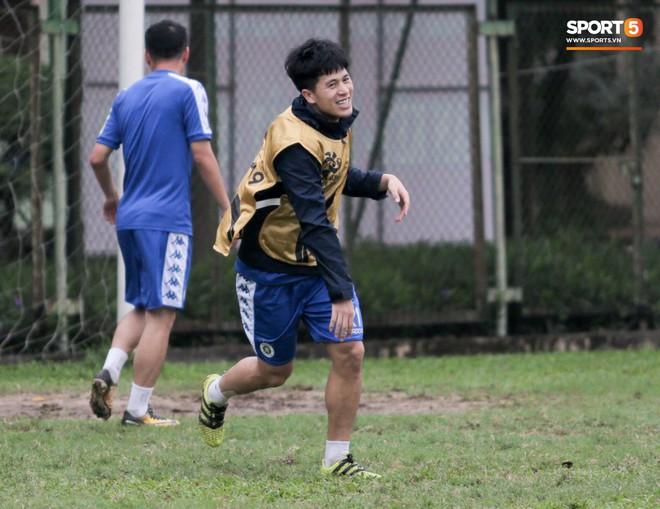 Cặp trung vệ Duy Mạnh - Đình Trọng tái xuất ở trận đấu cực căng với CLB Hải Phòng - Ảnh 1.