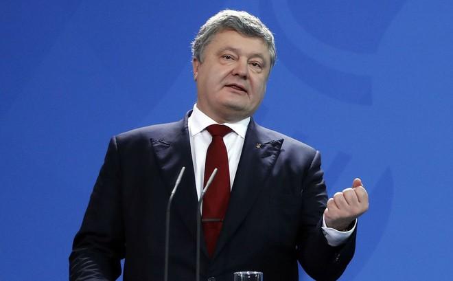 Ukraine càng nghèo, Tổng thống càng giàu: Chỉ sau 1 năm, thu nhập của ông Poroshenko tăng gần 100 lần!