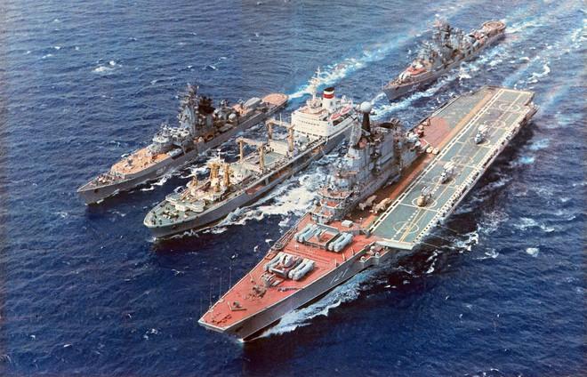 Top 4 tàu sân bay tệ hại nhất hành tinh: Nga vinh dự ôm 2 thảm họa - Cười ra nước mắt - Ảnh 3.