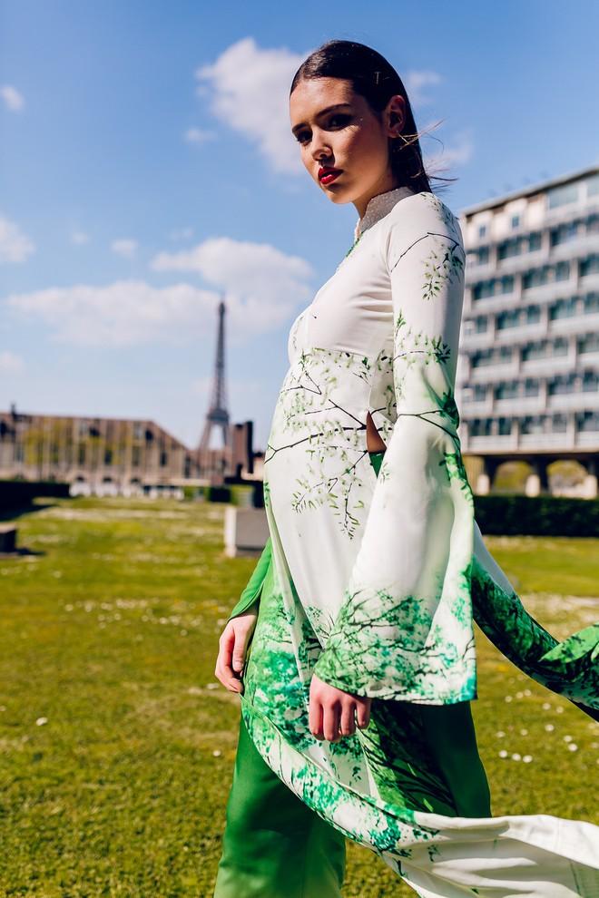 Dàn mẫu Pháp xinh đẹp, duyên dáng khi diện áo dài của NTK người Việt - Ảnh 8.