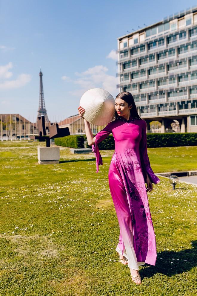 Dàn mẫu Pháp xinh đẹp, duyên dáng khi diện áo dài của NTK người Việt - Ảnh 7.