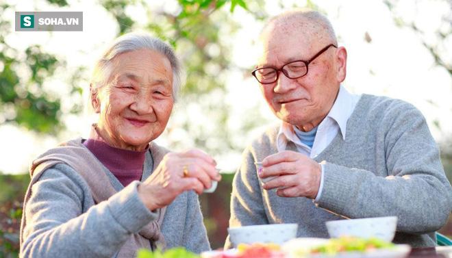 Nếu có đủ 6 tiêu chí này, bạn đang thuộc nhóm người có điều kiện để sống thọ hơn người - Ảnh 1.