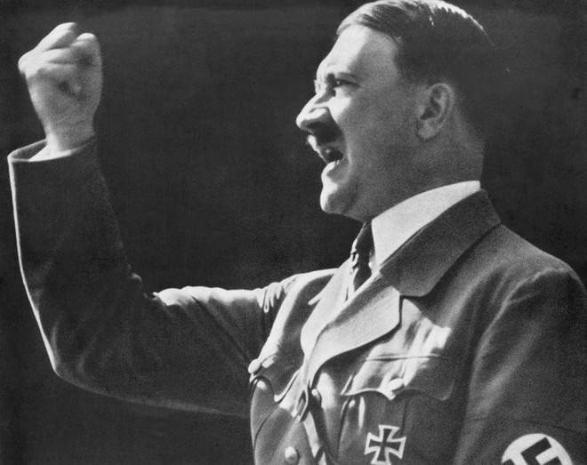 Sứ mệnh Thế chiến II: Xâm nhập bầy sói Đức, lật đổ âm mưu tàn độc của Hitler - Ảnh 2.