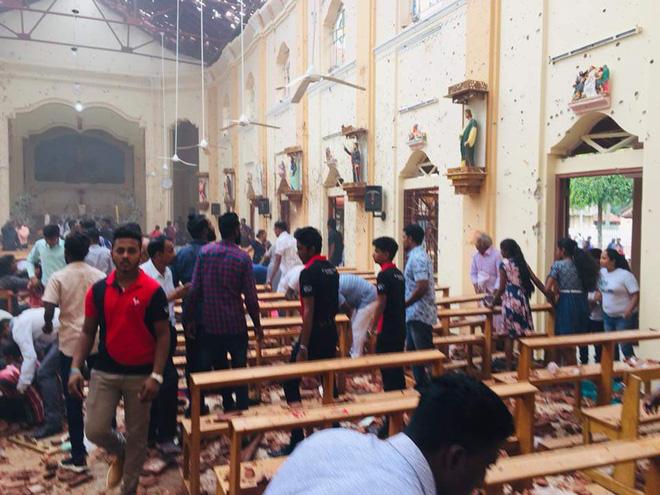 Lễ Phục sinh đẫm máu: Gần 300 người thiệt mạng, Sri Lanka đối mặt thảm kịch bạo lực tồi tệ nhất kể từ nội chiến - Ảnh 9.