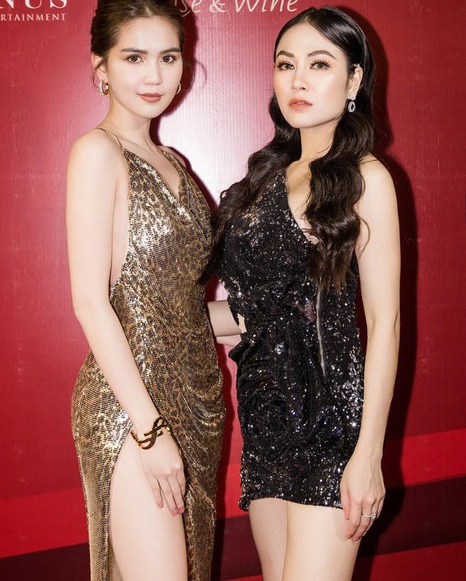 Hoa hậu Tuyết Nga đến sự kiện bằng xế hộp 12 tỷ, gây chú ý với đôi chân dài miên man - Ảnh 6.