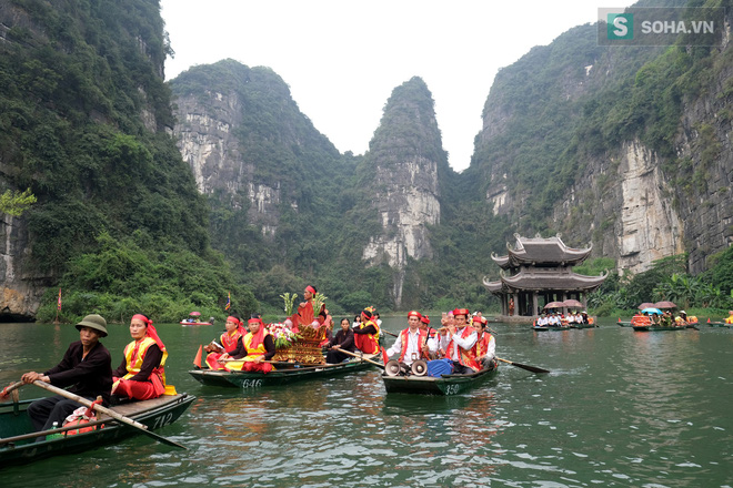 Lễ hội rước rồng độc đáo trên sông nước ở Tràng An - Ninh Bình - Ảnh 6.