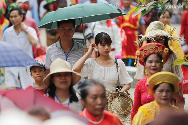 Lễ hội rước rồng độc đáo trên sông nước ở Tràng An - Ninh Bình - Ảnh 15.