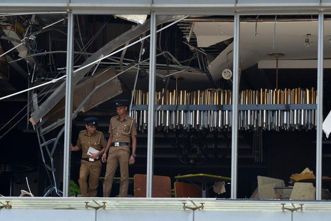 Lễ Phục sinh đẫm máu: Gần 300 người thiệt mạng, Sri Lanka đối mặt thảm kịch bạo lực tồi tệ nhất kể từ nội chiến - Ảnh 5.