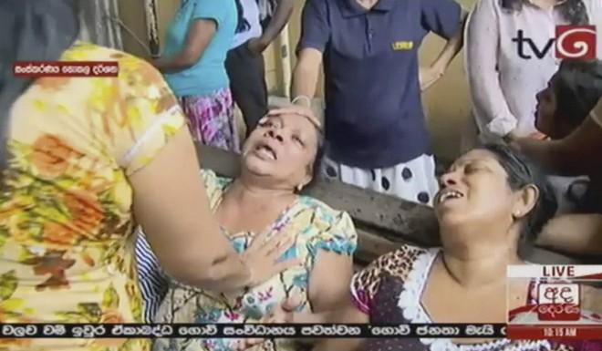 Lễ Phục sinh đẫm máu: Gần 300 người thiệt mạng, Sri Lanka đối mặt thảm kịch bạo lực tồi tệ nhất kể từ nội chiến - Ảnh 7.