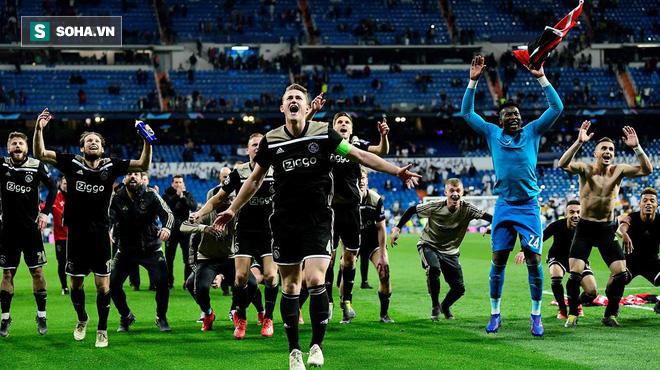 Man United và 2 đại gia Premier League nhận tin buồn về ngôi sao Ajax - Ảnh 1.