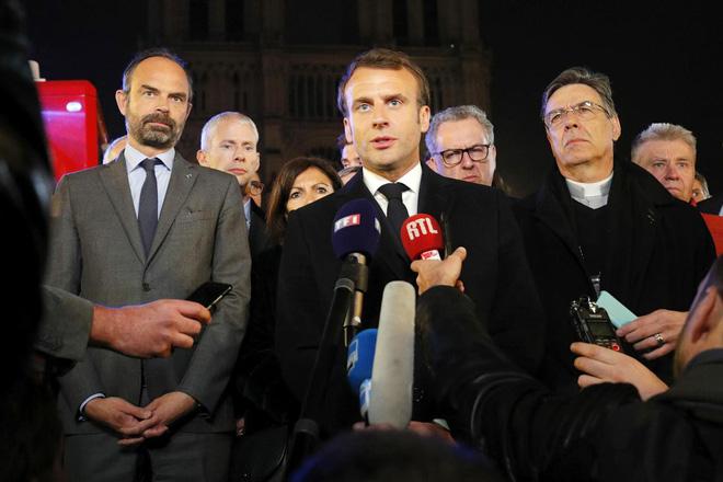 Vụ hỏa hoạn giữa bối cảnh biểu tình có giúp Tổng thống Macron chuyển bại thành thắng? - Ảnh 3.