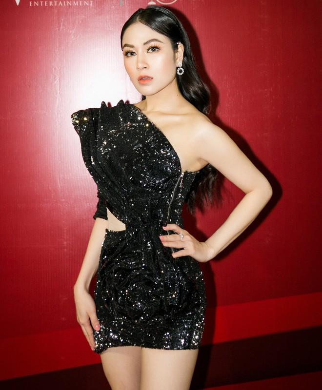 Hoa hậu Tuyết Nga đến sự kiện bằng xế hộp 12 tỷ, gây chú ý với đôi chân dài miên man - Ảnh 5.