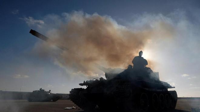 Nội chiến Libya: TT Trump đã quyết định nắm người có tóc, không ai nắm kẻ trọc đầu - Ảnh 1.