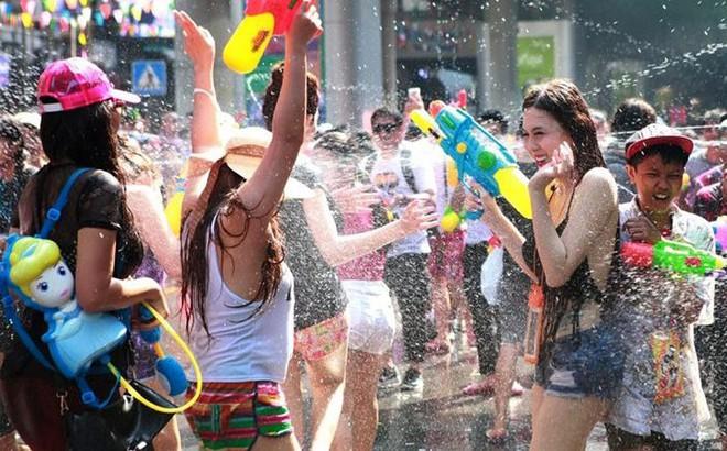 Kết quả hình ảnh cho lễ hội té nước songkran