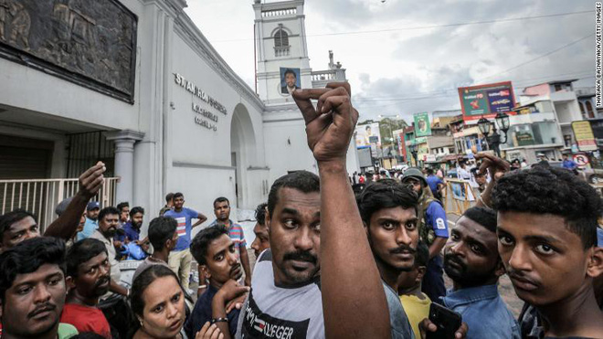 Đánh bom đẫm máu Sri Lanka gợi nhớ bóng ma bạo lực quá khứ sau thập kỷ hoà bình  - Ảnh 6.