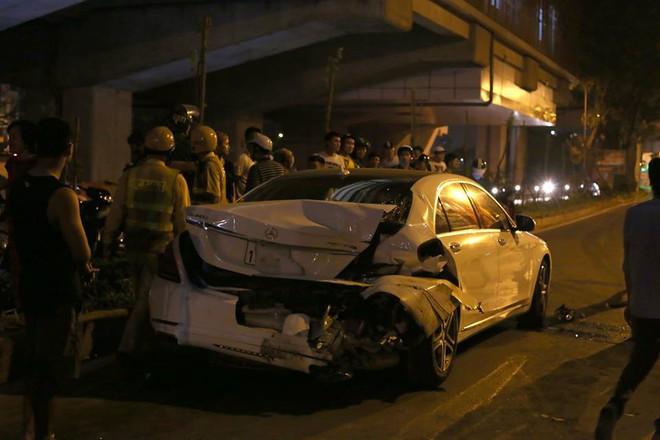 Vụ xe điên đâm nữ công nhân tử vong: Tài xế say xỉn cả đêm, cảnh sát không thể lấy lời khai - Ảnh 2.