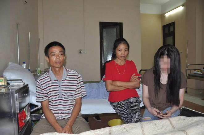 Nghe tin con gái rạch mặt người khác, mẹ ngã gục tại bệnh viện - Ảnh 3.