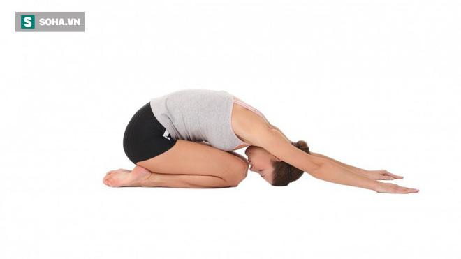 8 bài tập chữa đau lưng hiệu quả nhanh: Ai tập đều đặn sẽ không còn lo bệnh tật làm phiền - Ảnh 3.