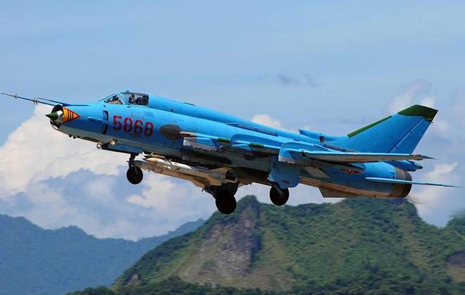 Ảnh hiện trường vụ máy bay Su-22 gặp nạn ở Yên Bái - Ảnh 6.