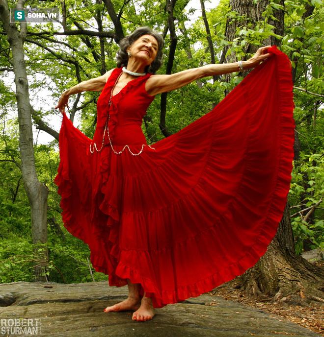 Chuyên gia Yoga 101 tuổi: 7 bí mật để lão hóa đi một cách duyên dáng, khỏe mạnh, lạc quan - Ảnh 3.