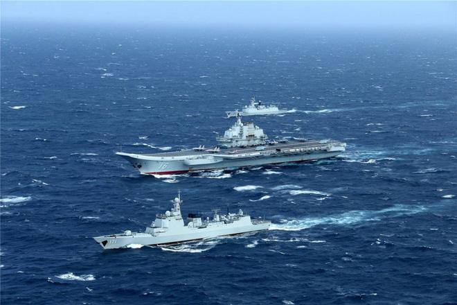 Trung Quốc - Kẻ ăn hôi vĩ đại: Mua tàu sân bay khủng với giá một vốn... bốn nghìn lời - Ảnh 11.