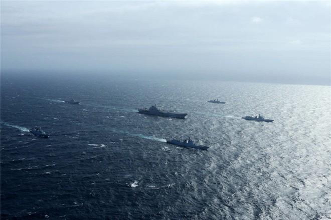 Trung Quốc - Kẻ ăn hôi vĩ đại: Mua tàu sân bay khủng với giá một vốn... bốn nghìn lời - Ảnh 12.