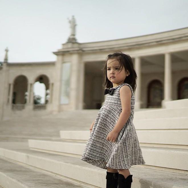 Con gái đầu lòng của mỹ nhân đẹp nhất Philippines càng lớn càng xinh đẹp, mới hơn 3 tuổi đã được dự đoán là Hoa hậu tương lai - Ảnh 13.