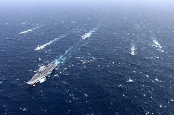 Trung Quốc - Kẻ ăn hôi vĩ đại: Mua tàu sân bay khủng với giá một vốn... bốn nghìn lời - Ảnh 15.