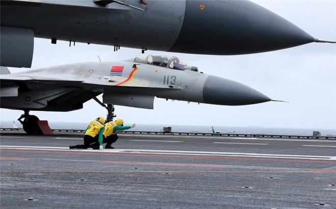Trung Quốc - Kẻ ăn hôi vĩ đại: Mua tàu sân bay khủng với giá một vốn... bốn nghìn lời - Ảnh 16.