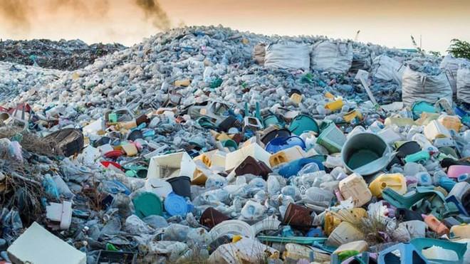 Video hé lộ sự thật về tái chế rác nhựa: Thì ra việc vứt rác đúng chỗ thôi là chưa đủ - Ảnh 4.