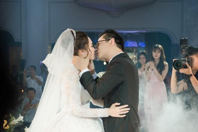 Toàn cảnh đám cưới ở Hà Nội của Giám đốc Nhà hát Kịch Hà Nội và hot girl 9X - Ảnh 11.